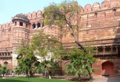 Agra fort main gate 0748